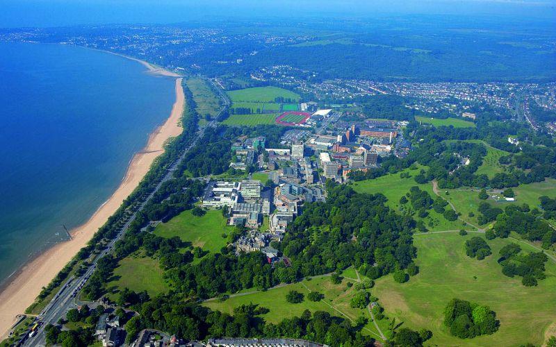 Studere i Wales - Swansea University - kysten fra lufta
