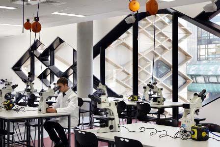 Studere i England - University of Sheffield - Diamond Lab