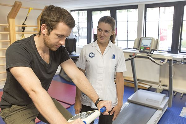Studere kiropraktikk i England - AECC (Anglo European College of Chiropractic)