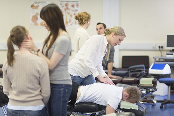 Studere kiropraktikk i England -AECC University College