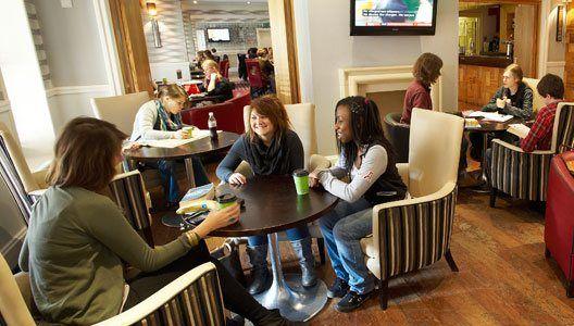 Studere i London - Royal Holloway University - campus