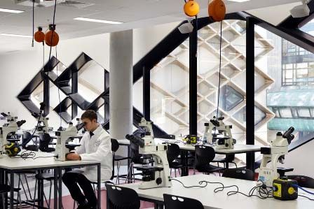 Studere i England - University of Sheffield - Diamond Lab