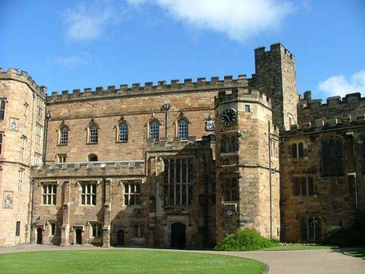 Studere ved Durham University i England